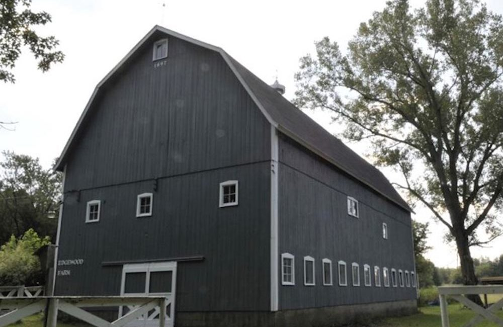 Exterior Barn Painting  - Crystal Lake, IL  (AFTER)